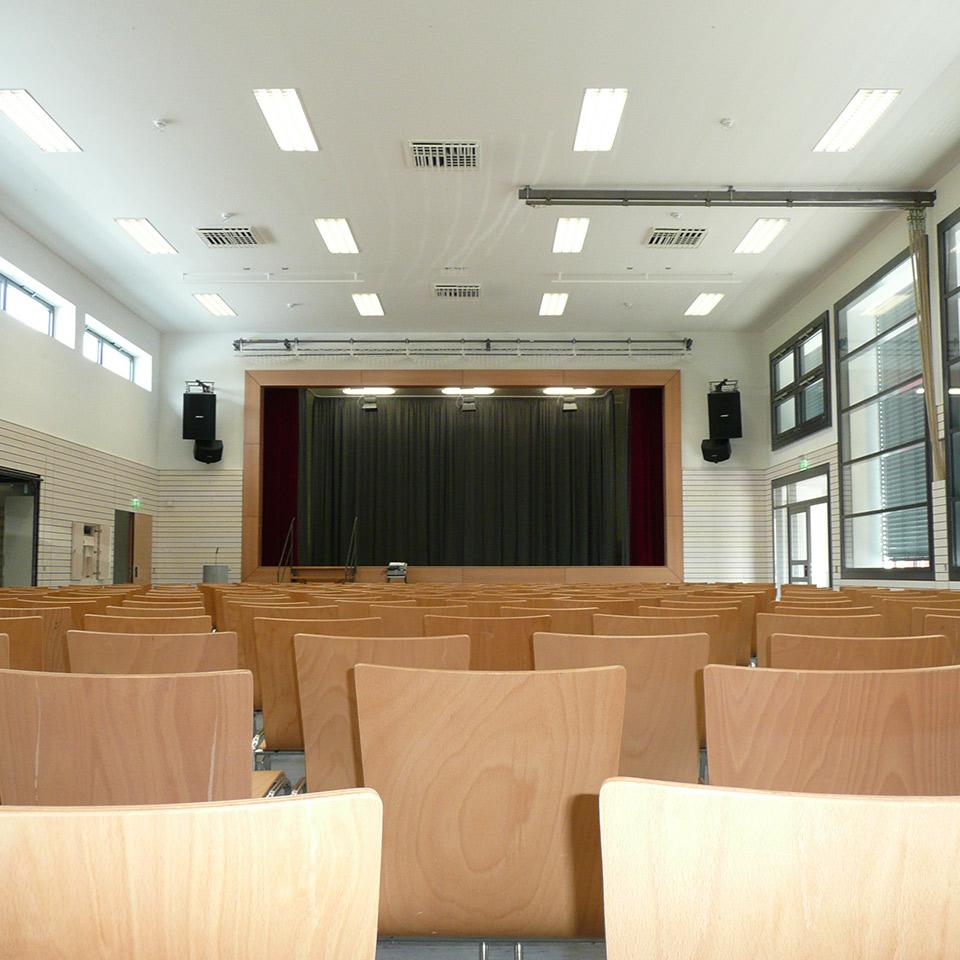 Schalltechnik für einen Versammlungsraum